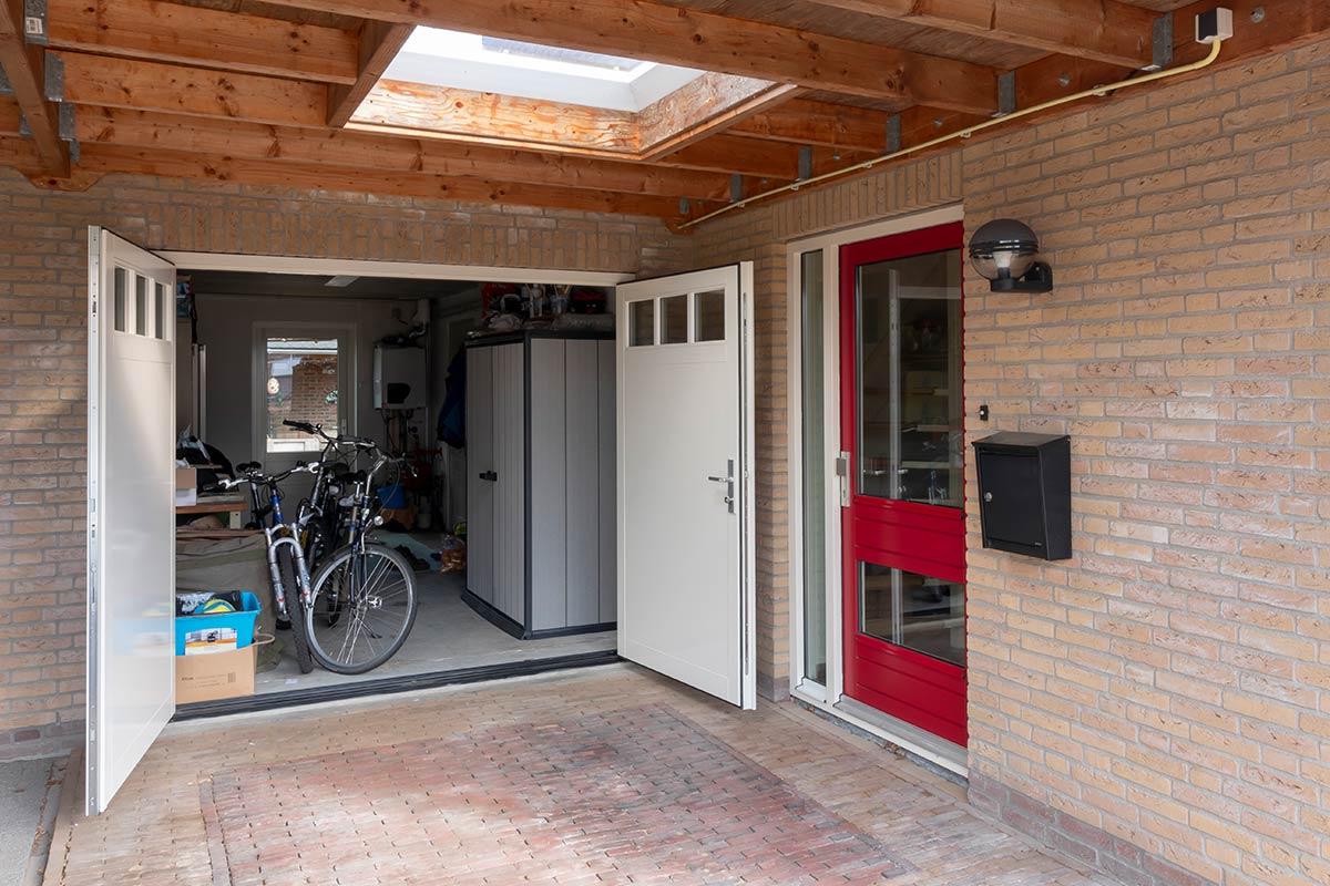 houten-openslaande-garagedeur-wit1