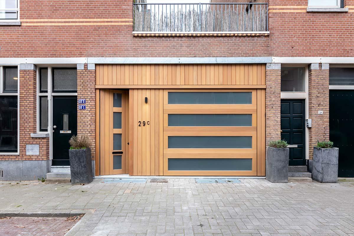 houten sectionaaldeur iroko