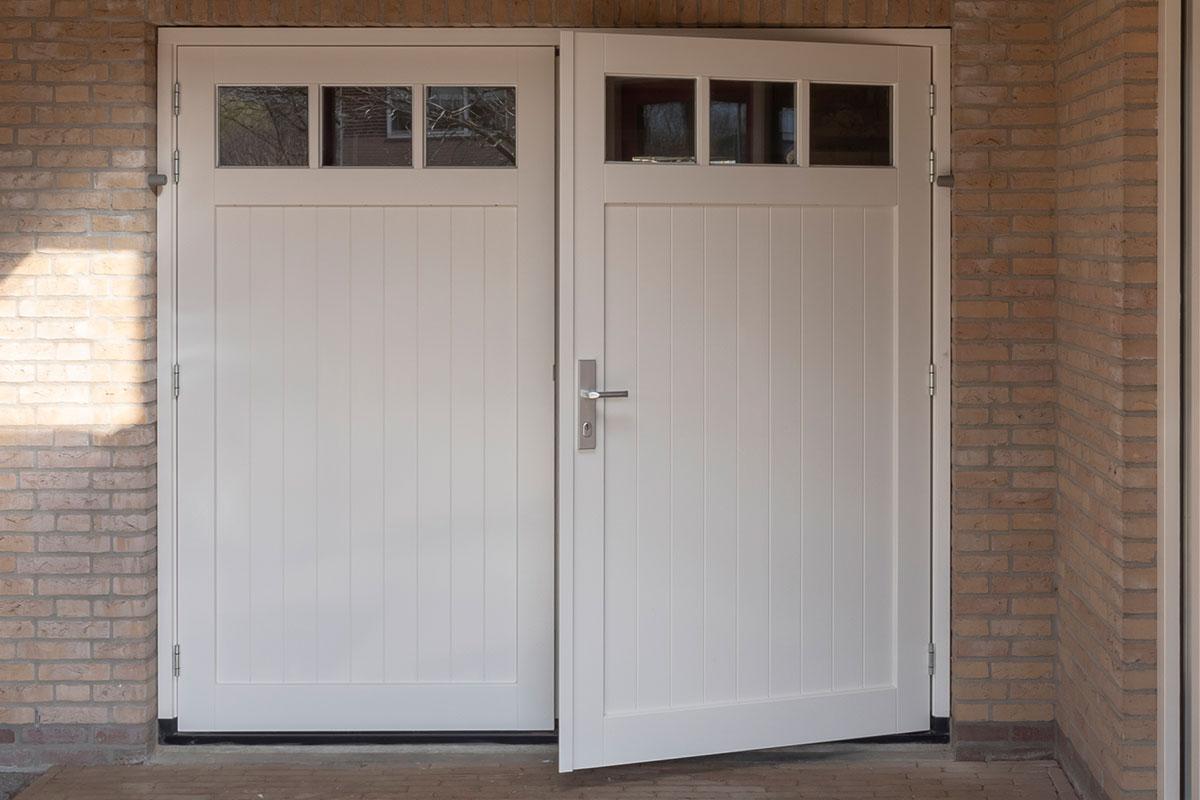 houten-openslaande-garagedeuren-12