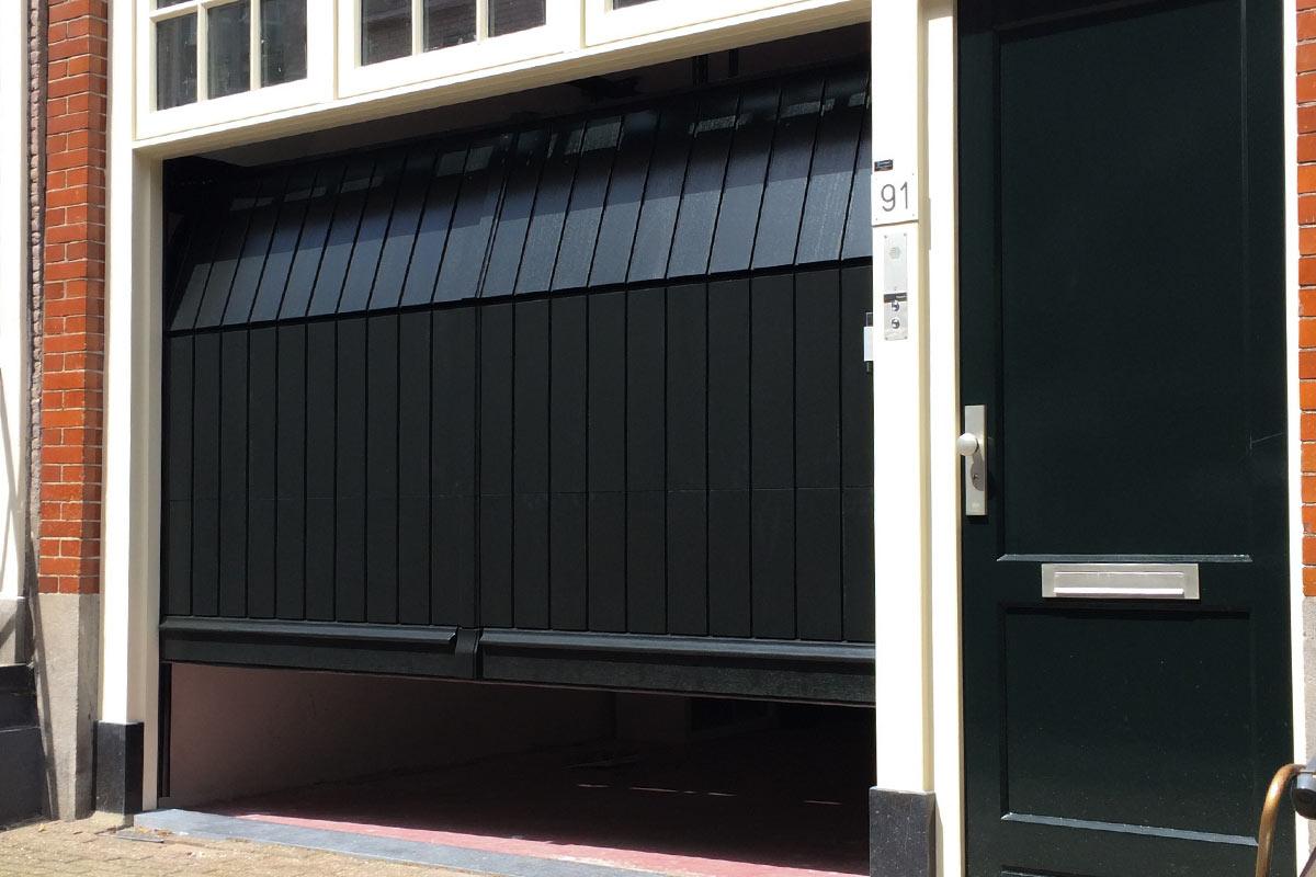 verticale-garagepoort-monumentaal