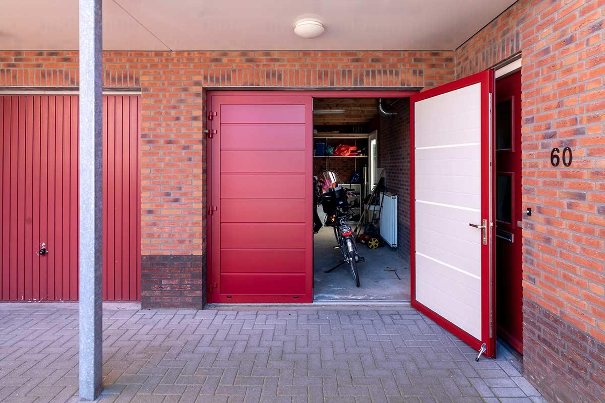 volledige-geisoleerde-openslaande-garagedeur-3