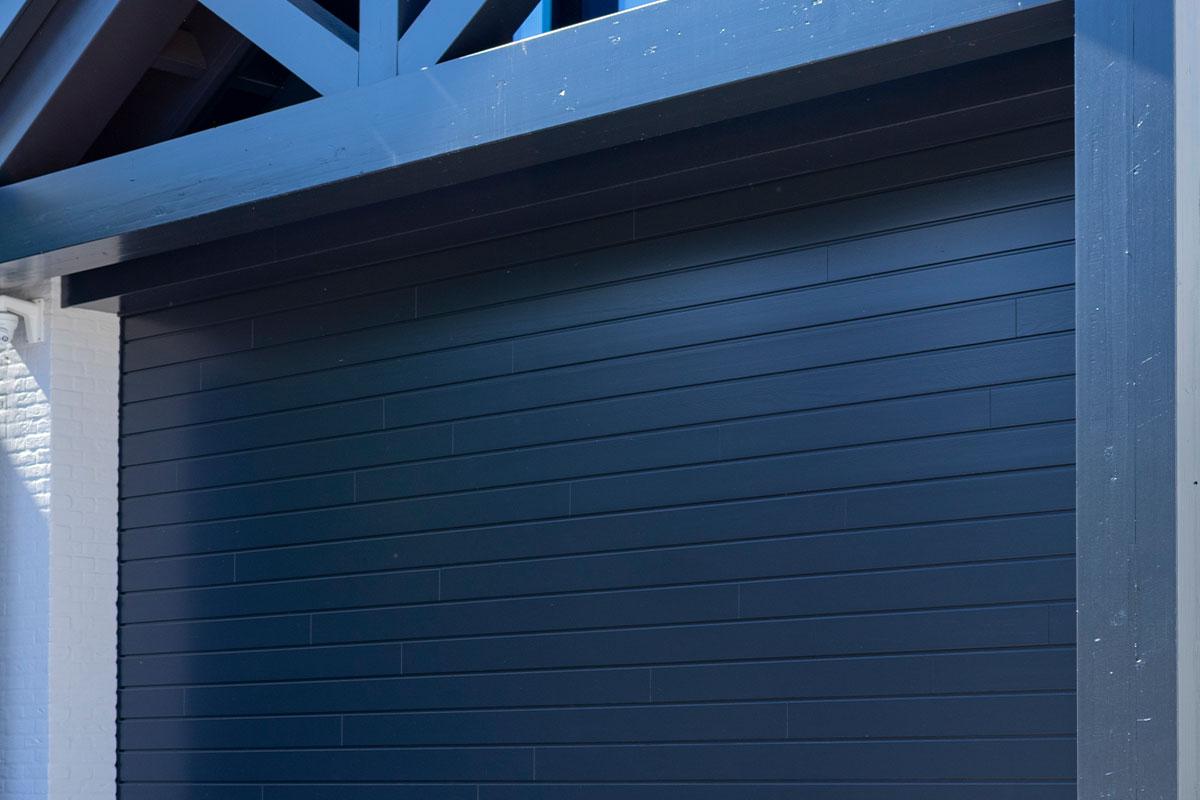 houten-sectionaaldeur-red-cedar-gelakt-3