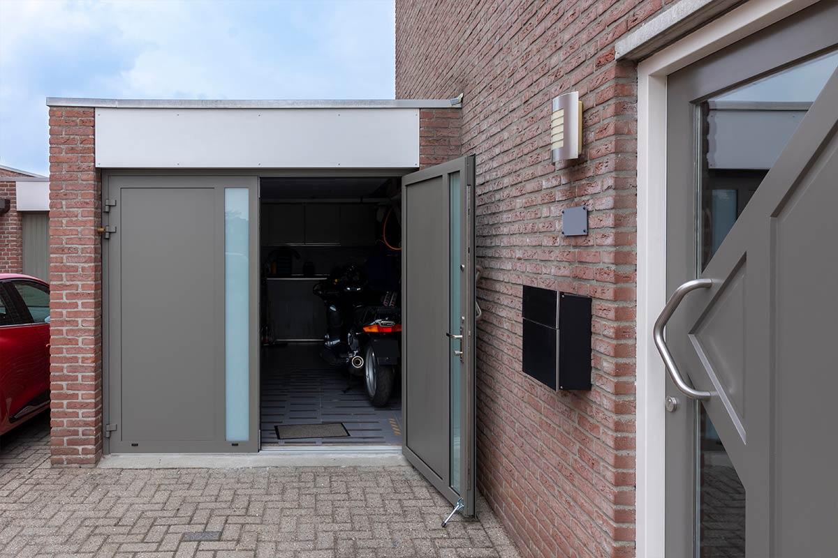 garagedeur open