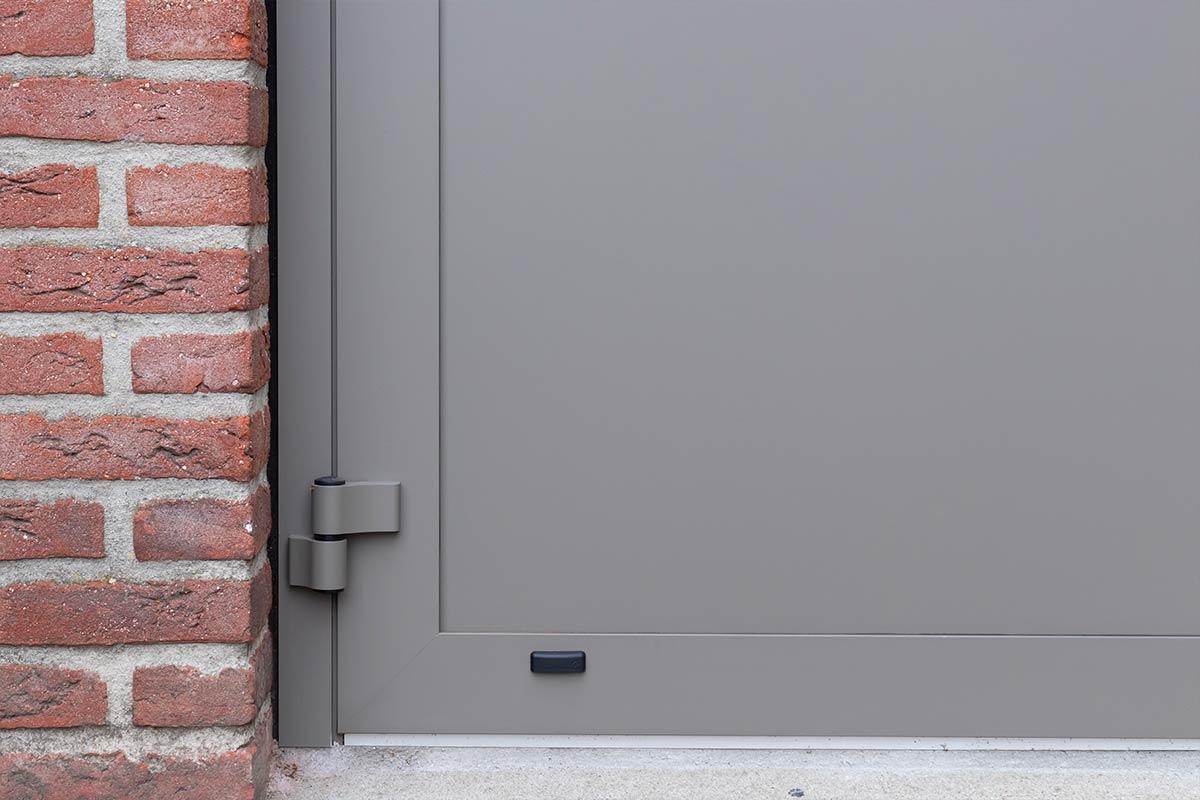 openslaande-garagedeur-montage