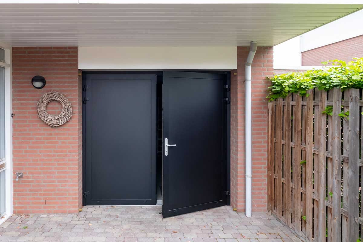 garagedeur zwart