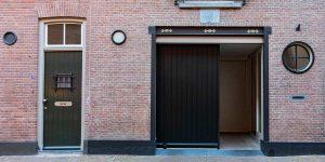 houten garagedeur monumentaal pand