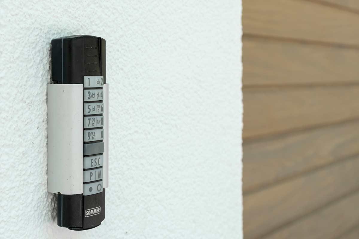 afstandsbediening-houten-sectionaaldeur