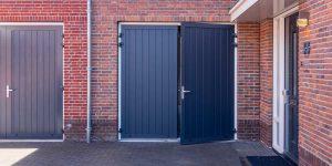 openslaande garagedeur blauw