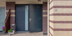 Geïsoleerde openslaande garagedeur