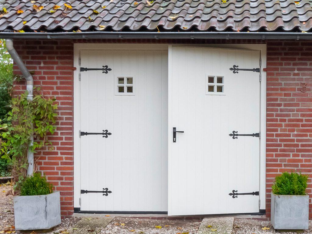 Engelse stijl garagedeur
