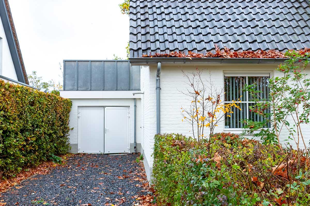 witte-openslaande-garagedeur-heeze (5)