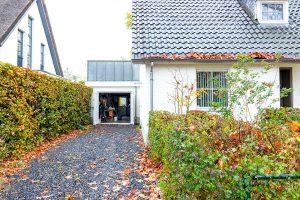 witte-openslaande-garagedeur-heeze-(14)