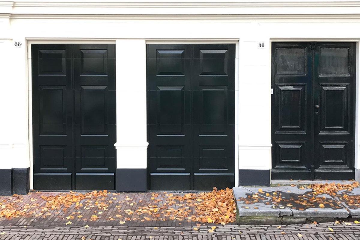 houten-garagedeur-monumentaal-pand