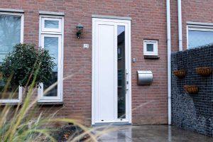 openslaande-garagedeur-en-voordeur (3)