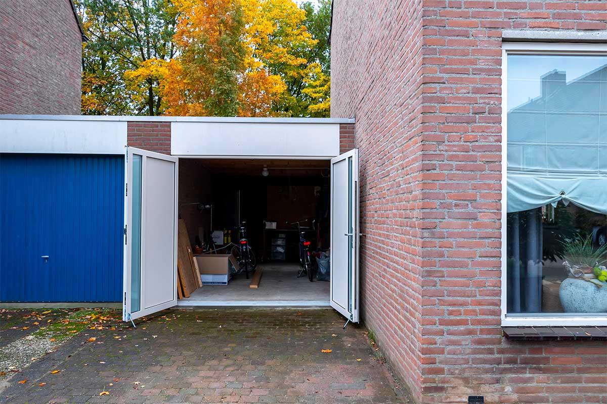 openslaande-garagedeur-en-voordeur (7)