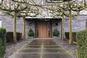Moderne houten voordeur