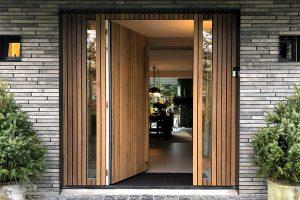 Houten voordeur modern