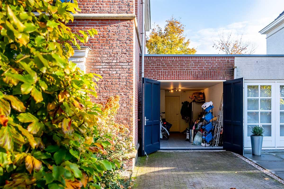 garagedeur met sierlijst (13)