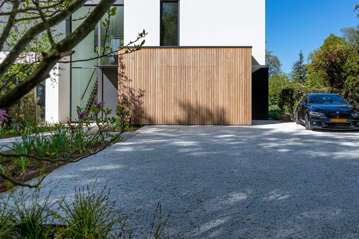 houten garagedeur moderne villa (13)