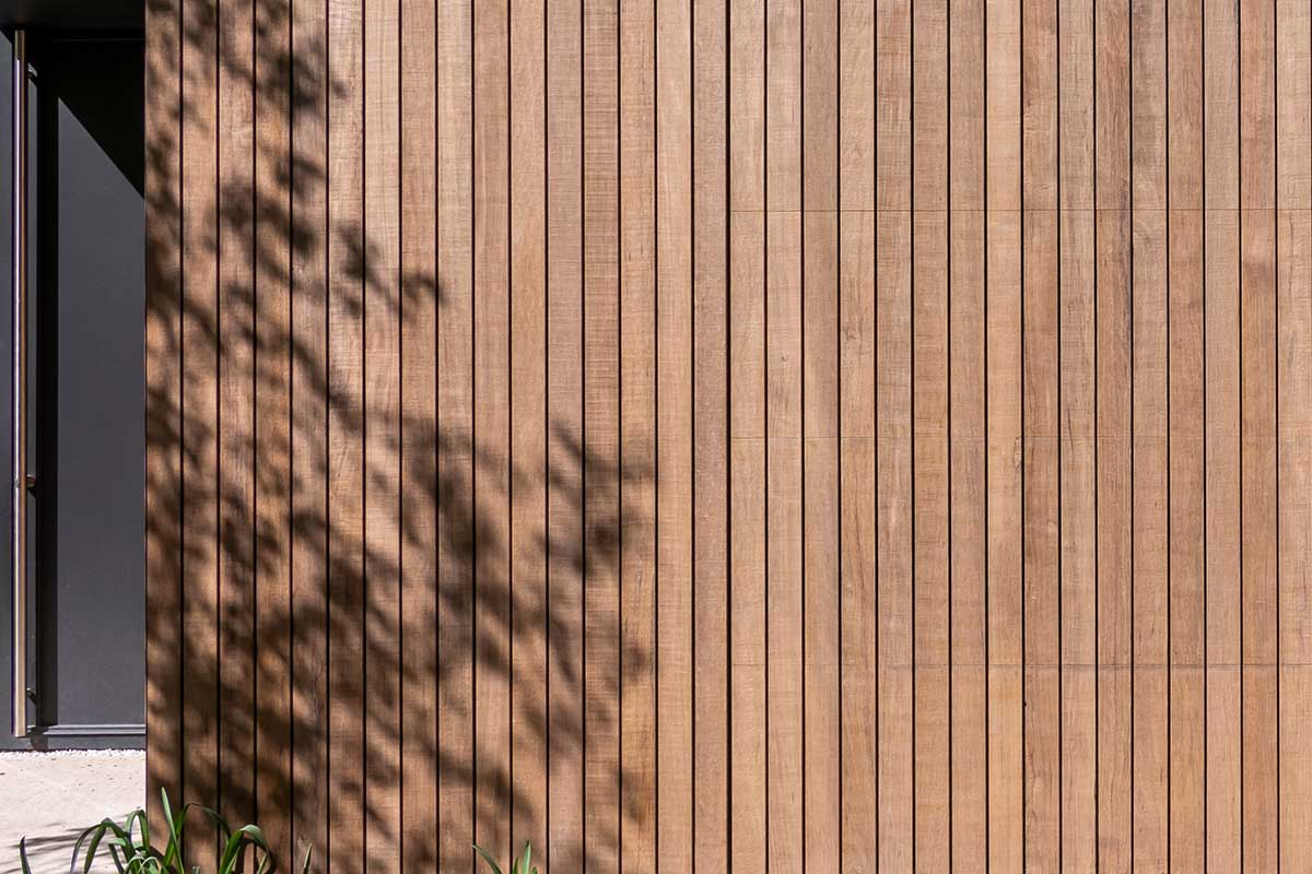 houten garagedeur moderne villa (2)