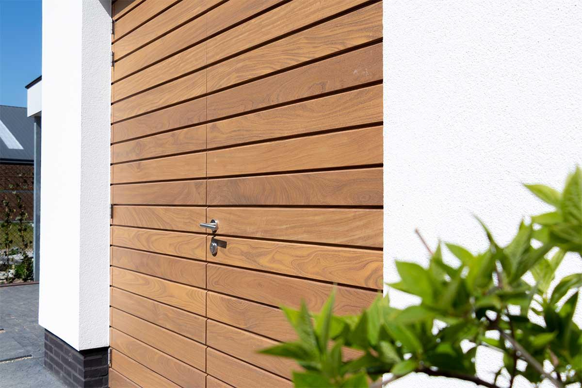 houten-garagedeur-en-voordeur (3)