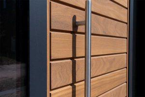 houten-garagedeur-en-voordeur (4)