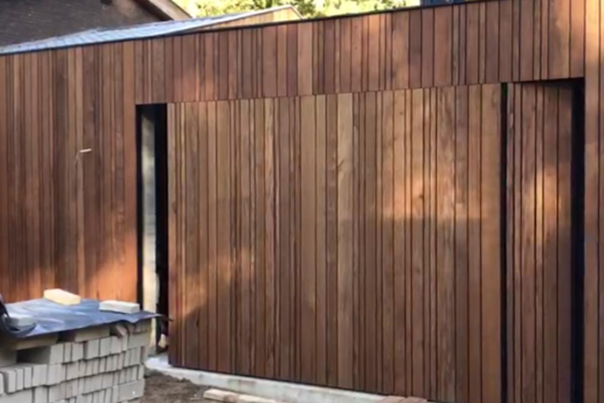 houten-zijwaartse-gelijk-in-de-gevel