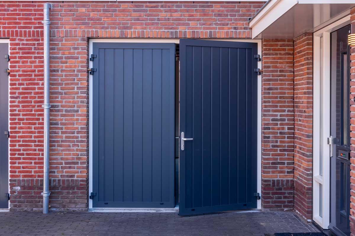 verticale openslaande garagedeur
