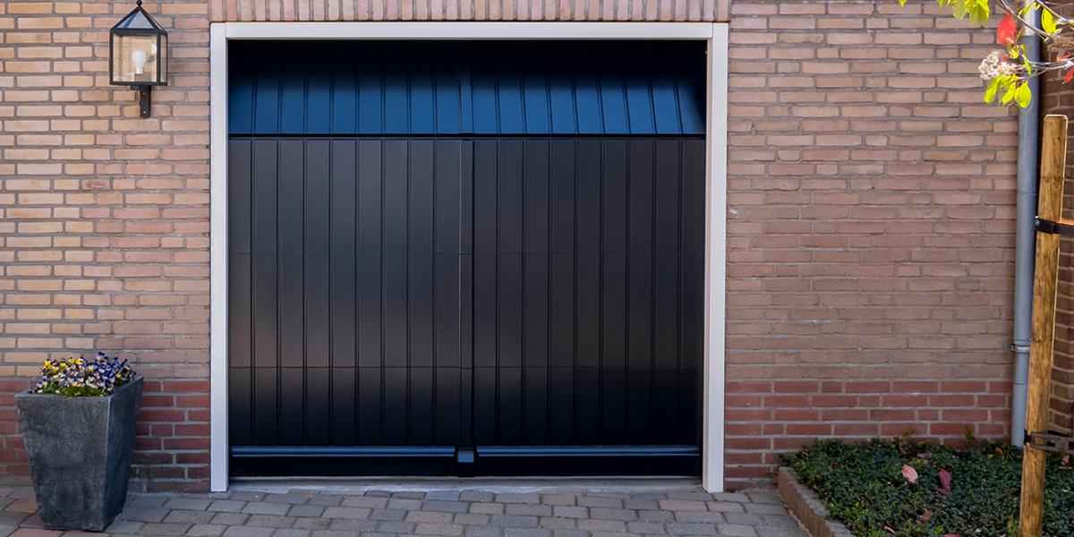 verticale houten garagedeuren