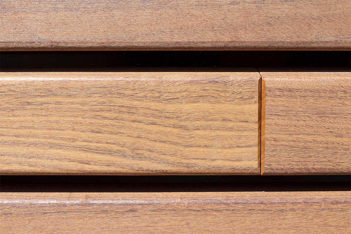 houten-sectionaaldeur-gelijk-met-de-gevel-en-gevelbekleding (4)