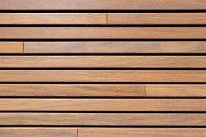 houten-sectionaaldeur-gelijk-met-de-gevel-en-gevelbekleding (5)