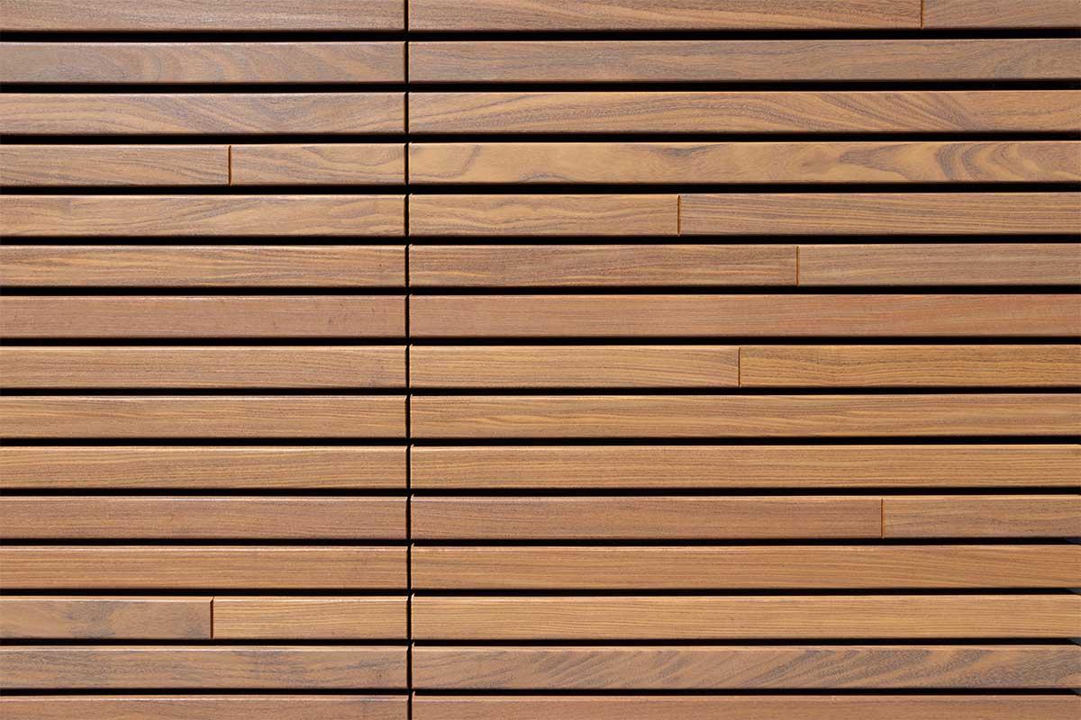 houten-sectionaaldeur-gelijk-met-de-gevel-en-gevelbekleding (11)
