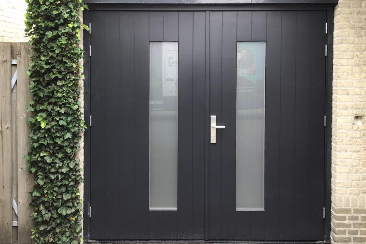 houten-openslaande-garagedeur-4