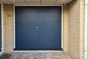 Houten-openslaande-garagedeur-6