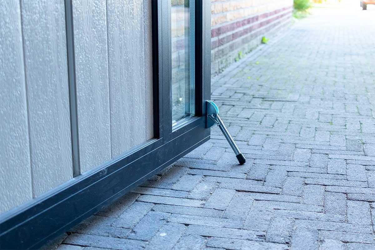 openslaande-garagedeur-vast-zijstuk (1)