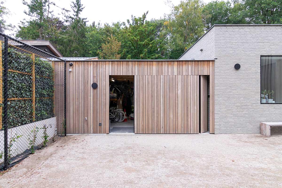 sectionaaldeur hout zijwaarts (2)