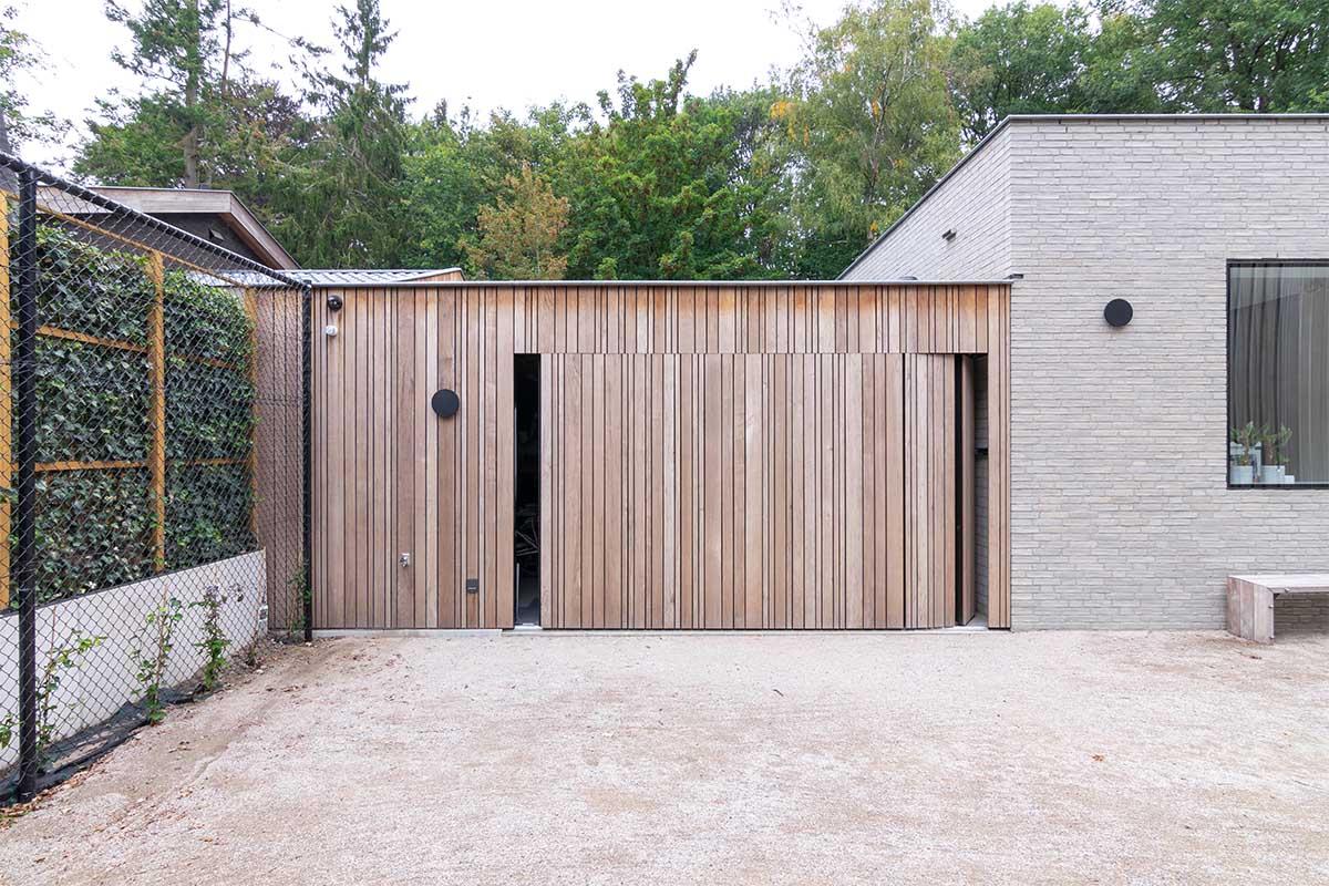 sectionaaldeur hout zijwaarts