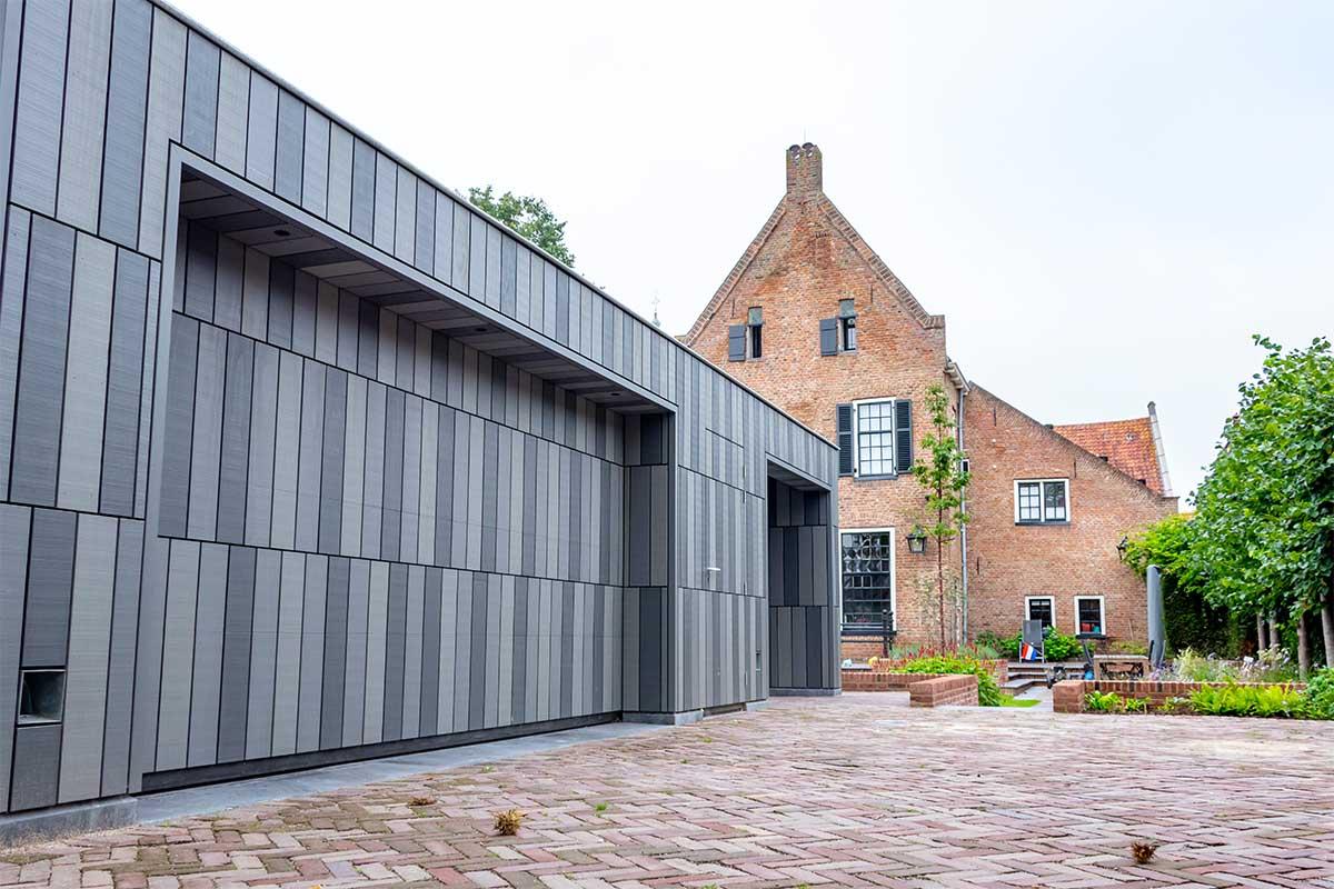 garagedeur bij monumentaal pand Doesburg (2)