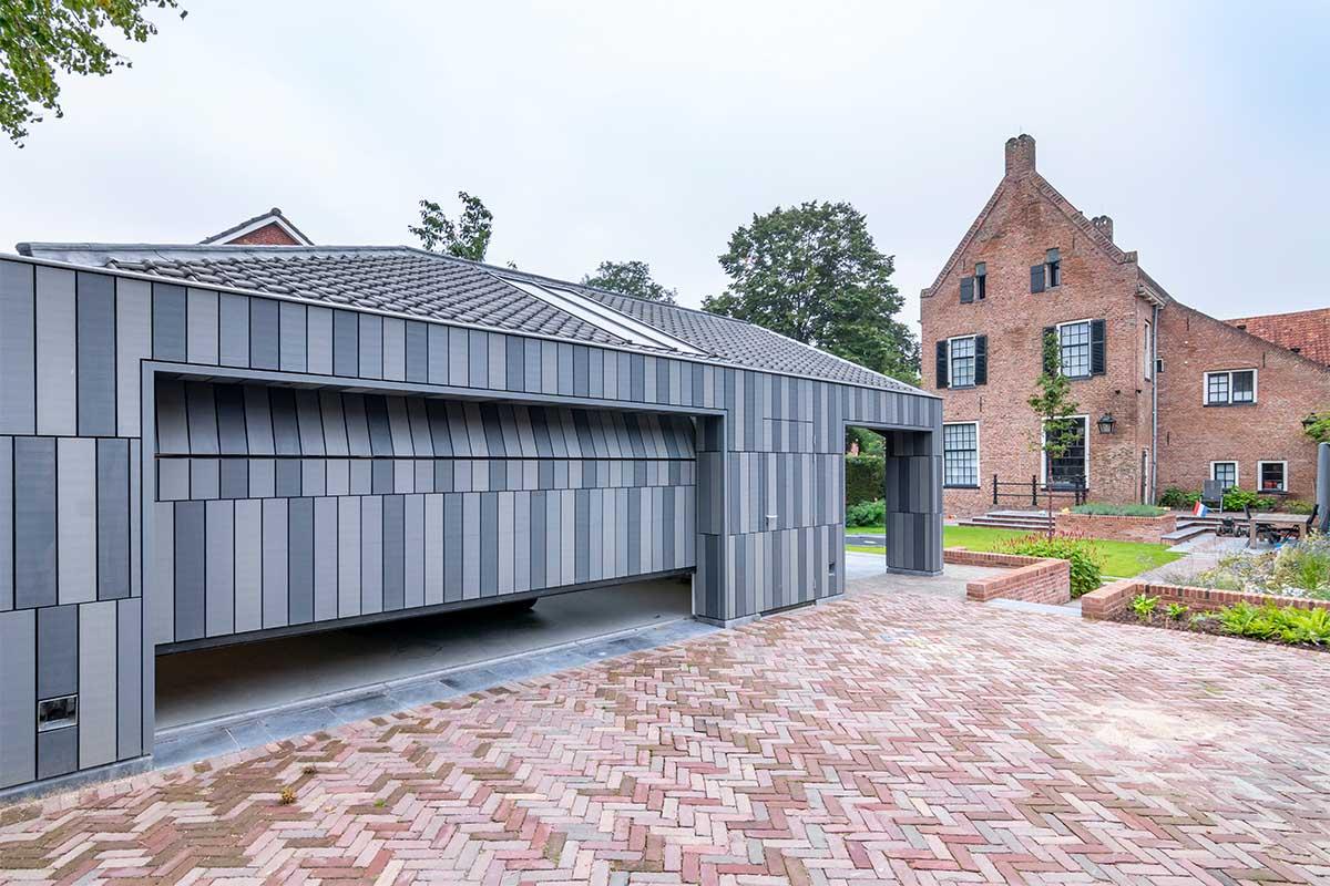 garagedeur bij monumentaal pand Doesburg (5)