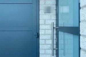 garagedeur en voordeur (5)