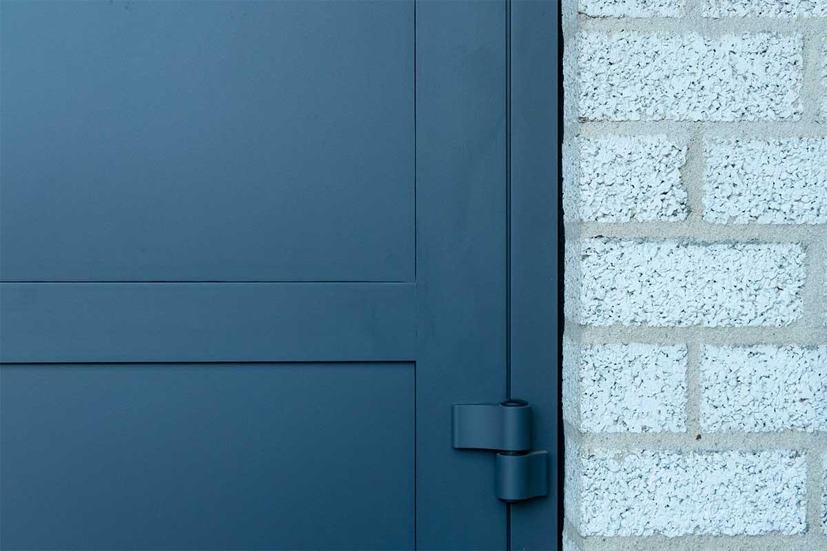 garagedeur en voordeur (9)