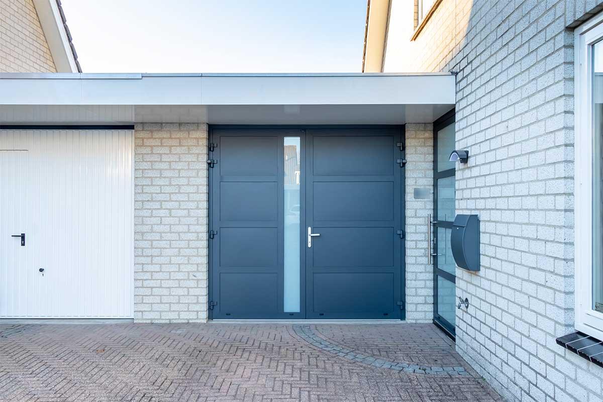 garagedeur en voordeur (19)