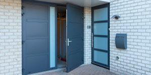 openslaande garagedeur en voordeur