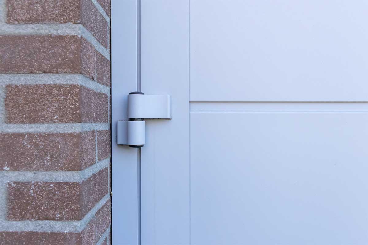 openslaande-garagedeur-verticaal-glas (8)