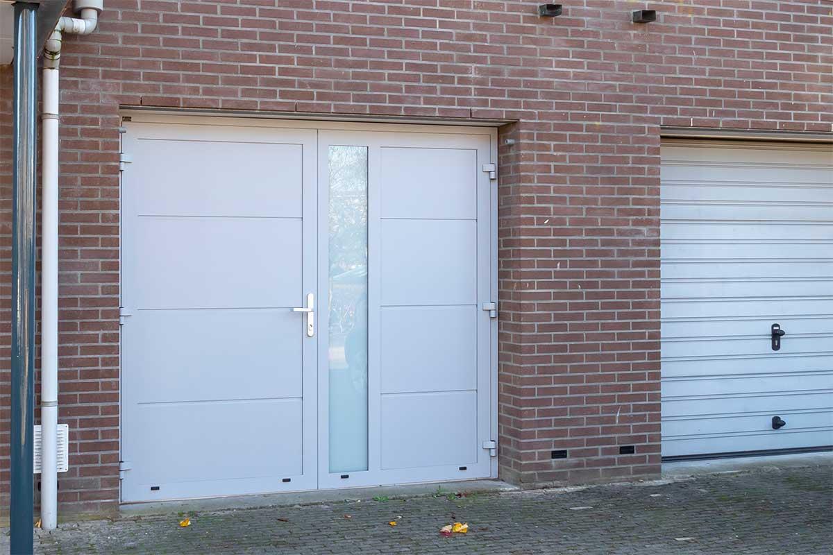 openslaande-garagedeur-verticaal-glas (12)