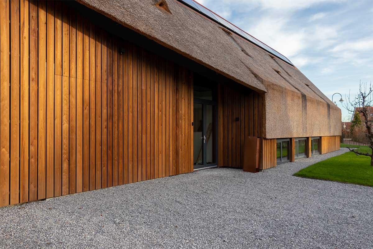 houten garagedeur gelijk met de gevel (2)
