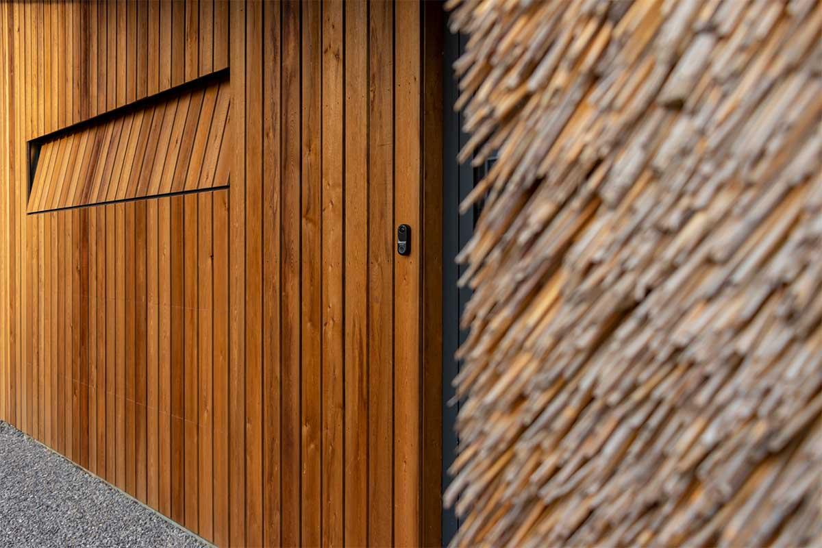 houten garagedeur gelijk met de gevel (4)