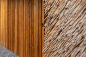 houten garagedeur gelijk met de gevel (5)