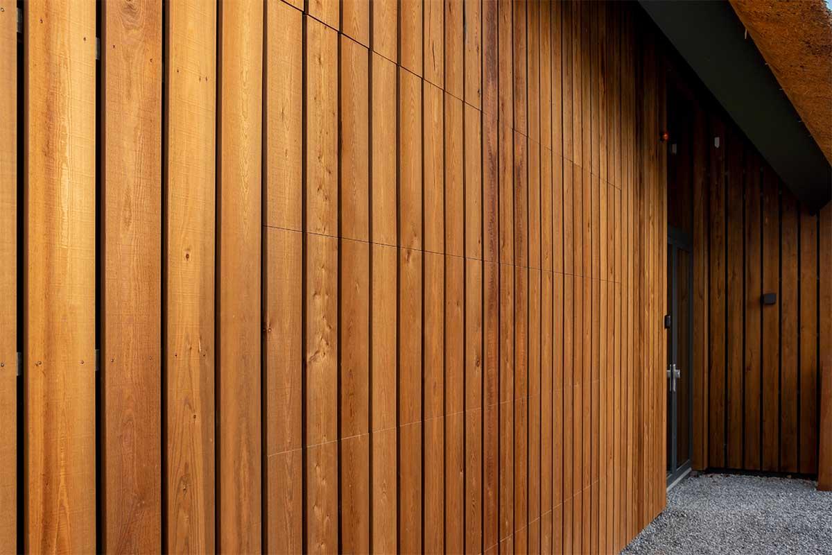 houten garagedeur gelijk met de gevel (9)