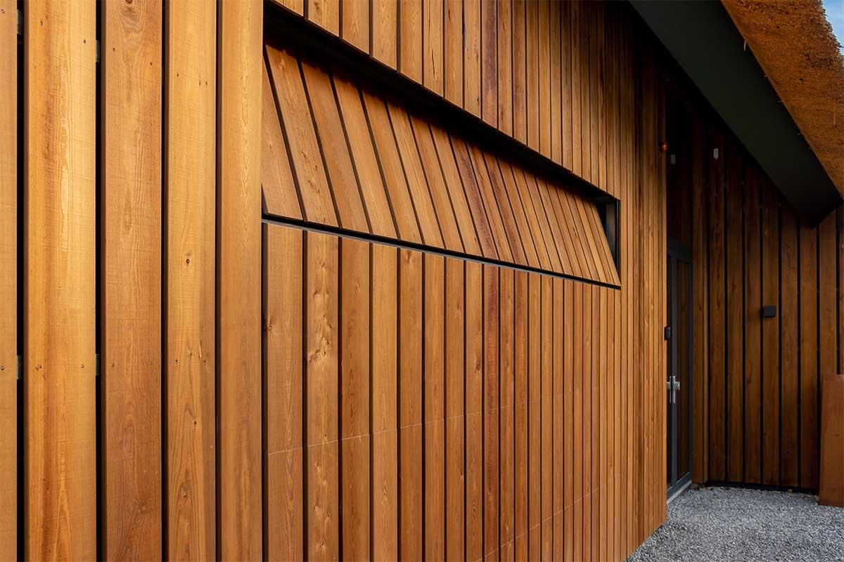 houten garagedeur gelijk met de gevel (10)